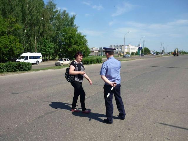 Инспекторы ГИБДД выявили нарушения ПДД среди водителей и пешеходов