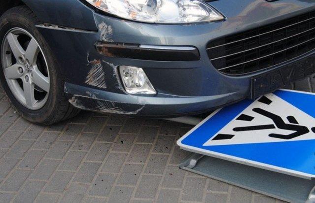 В Грязях автомобиль сбил подростка